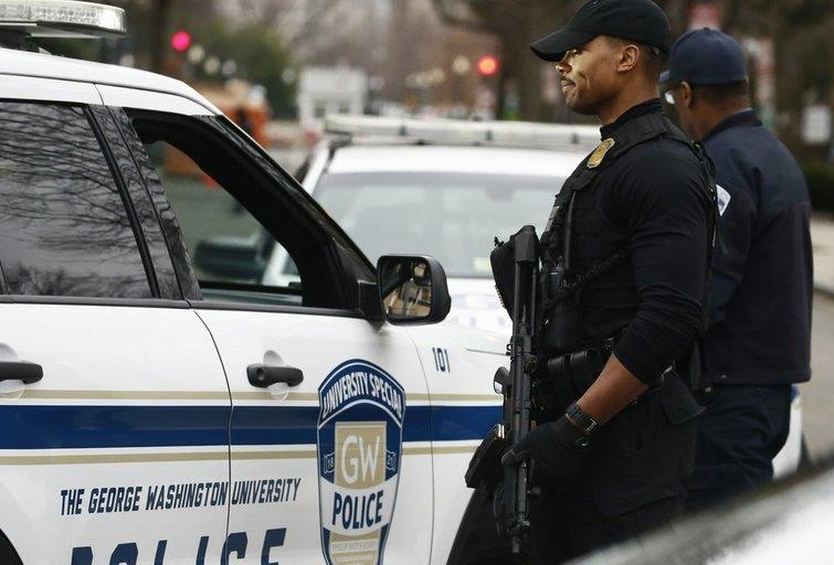 Aliarmas JAV: uždaryti Baltieji rūmai – suimta ginkluota moteris  (nuotr. SCANPIX)