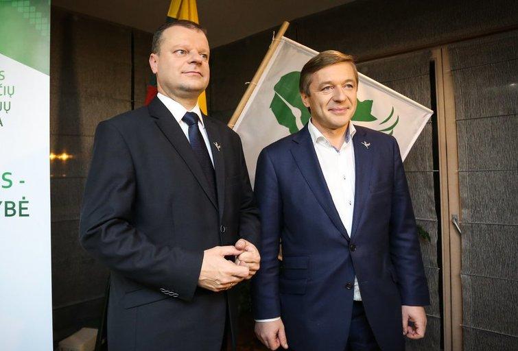 S. Skvernelis ir R. Karbauskis (nuotr. Fotodiena.lt)