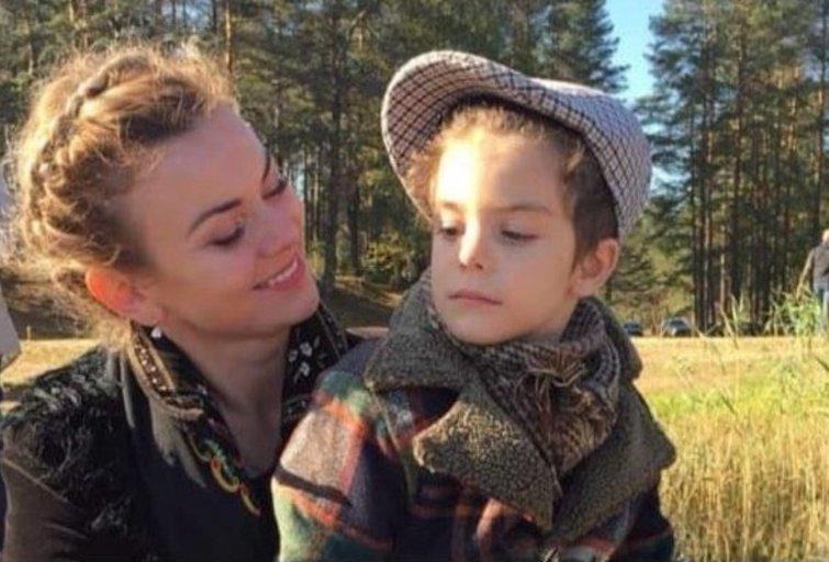 Klementina Gruzdienė su sūnumi Vincentu. (nuotr. asm. archyvo)