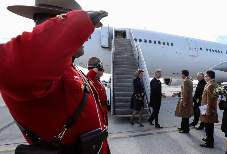 Belgijos karališkieji asmenys Kanadoje vos nebuvo sutikti su Vokietijos vėliava (nuotr. SCANPIX)