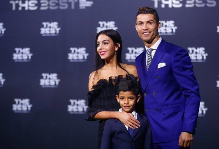 Cristiano Ronaldo su šeima (nuotr. SCANPIX)