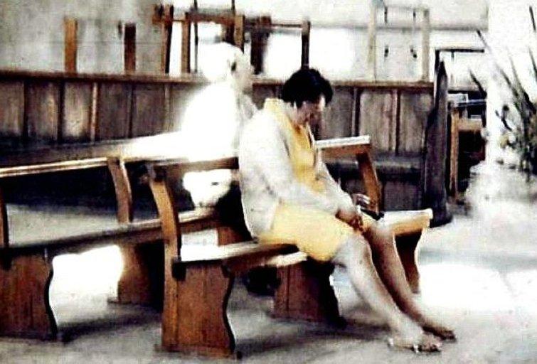 Vaiduoklis bažnyčioje (nuotr. pinterest.com)