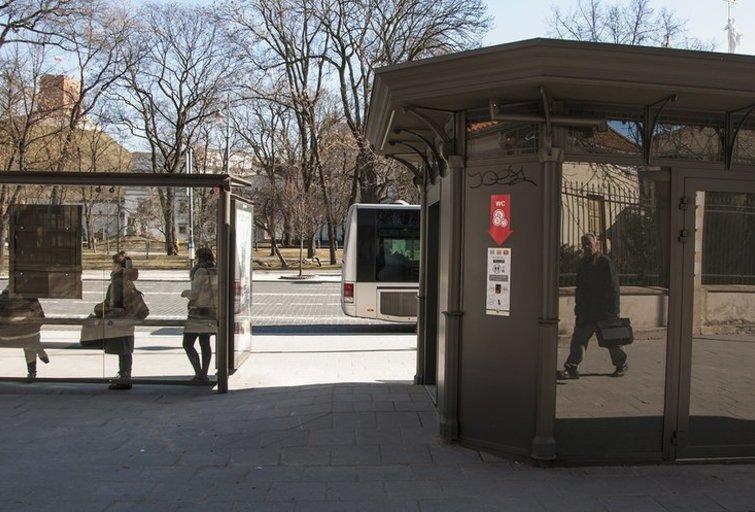 Viešieji tualetai Vilniuje (nuotr. Nerijus Gliaudelis)