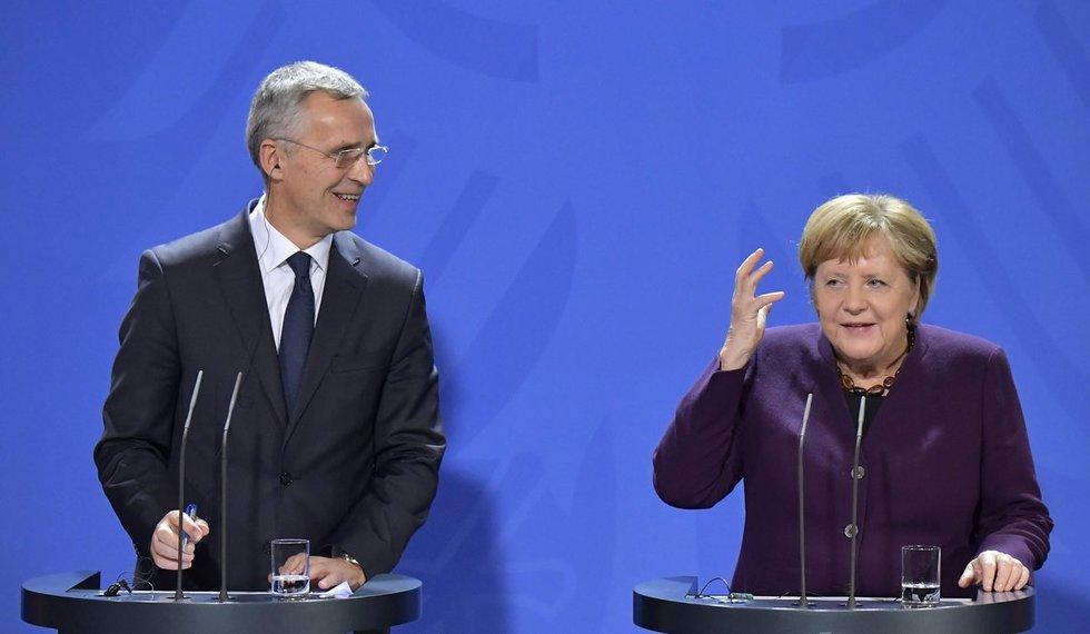 J. Stoltenbergas ir A. Merkel