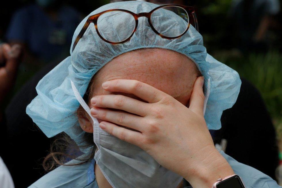 """Koronavirusas: besimptomių """"tyliųjų platintojų"""" mįslė"""