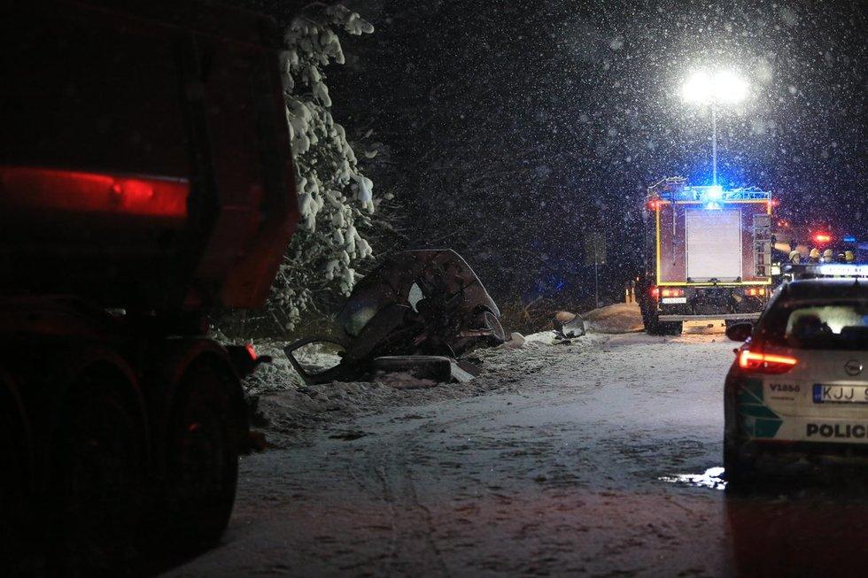 Trakų rajone per avariją žuvo penki žmonės