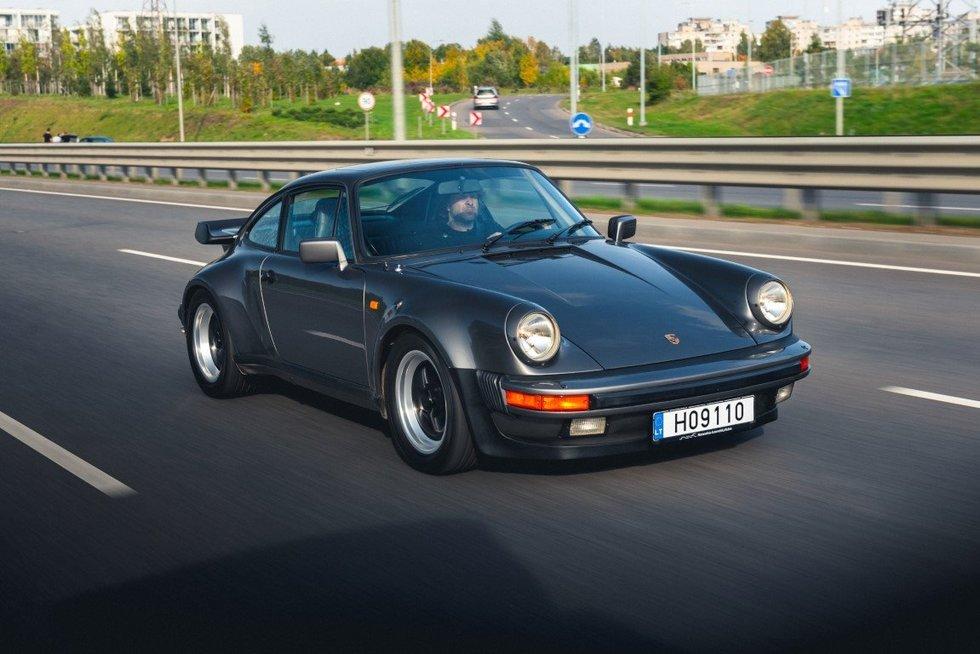 """Vilniaus gatvėse – žymiausių planetos dainininkų """"Porsche"""""""