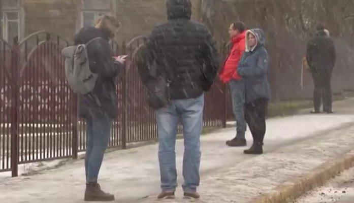 Išpuolis Baltarusijoje: nudurta mokytoja ir vienas mokinys, dar keli buvo sužeisti (nuotr. YouTube)