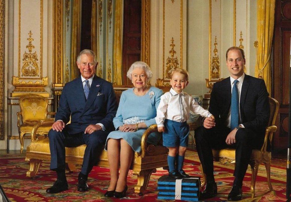 Anglijos karališkoji šeima (nuotr. facebook.com)