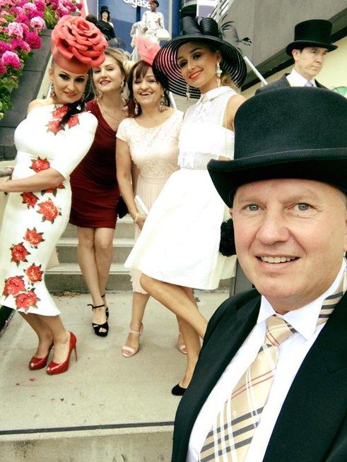 Inga Budrienė su vyru ir bičiuliais (nuotr. Organizatorių)