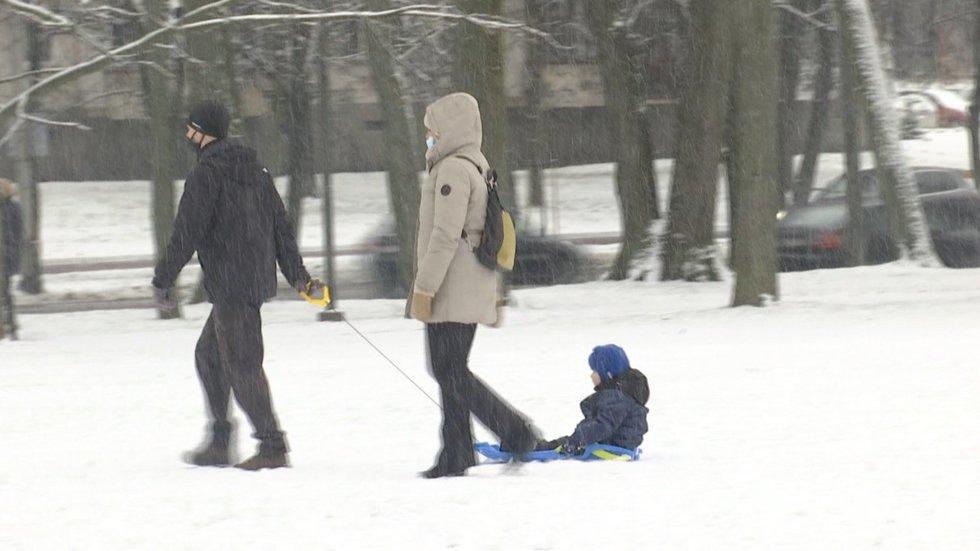 Sinoptikai –žiema šalyje prasidėjo: pasakė, ko tikėtis artimiausiu metu