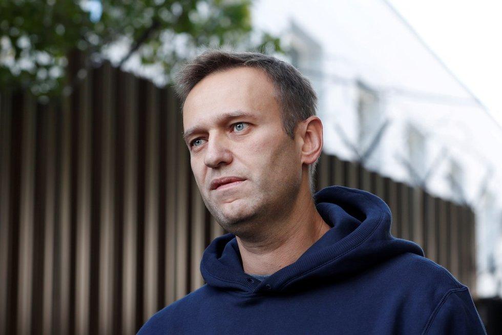 Žiniasklaida: Navalnas turėjo mirti lėktuve, išgelbėjo tik piloto ir greitosios pagalbos medikų reakcija (nuotr. SCANPIX)