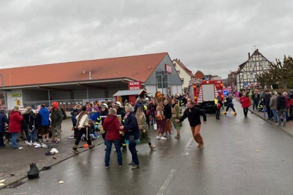 Vokietijoje mugės metu į minią rėžėsi automobilis (nuotr. SCANPIX)