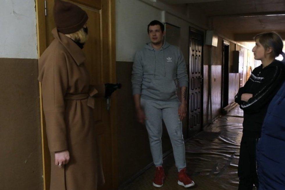 Kaimynai pasakoja apie dramą Alytuje, kai dingo naujagimis – nužudymu įtariamas tėvas elgėsi keistai (nuotr. stop kadras)