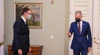 Kandidatas į susisiekimo ministrus K. Adomaitis prisistatė G. Nausėdai (nuotr. Roberto Dačkaus)