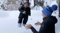 Olimpinės čempionės poelgis sukėlė komentarų audrą: vaiką metė į sniegą