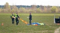Kyviškėse žuvo parašiutininkas (nuotr. Broniaus Jablonsko)