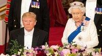 Donaldas Trumpas ir karalienė Elžbieta II (nuotr. SCANPIX)