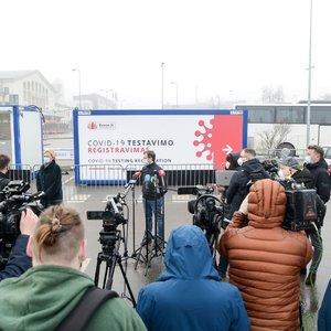 Vilniaus oro uoste pradedami daryti COVID-19 testai: kainuos ir virš 100 eurų