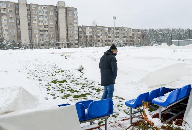 Vilniuje subliuško Pilaitės maniežo kupolas (nuotr. Fotodiena/Justino Auškelio)
