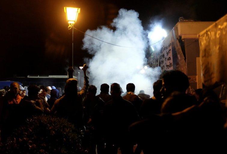 Graikijoje verda kovos su migtrantais: skaičiuojami sužeistieji (nuotr. SCANPIX)