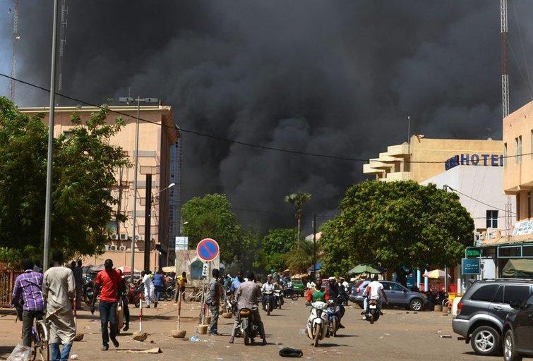 Burkina Faso sostinėje aidi šūviai ir sprogimai (nuotr. SCANPIX)