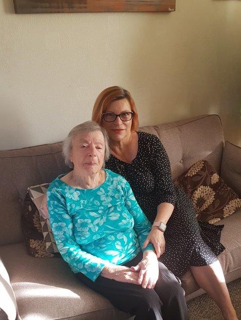 Laima Kairienė su mama
