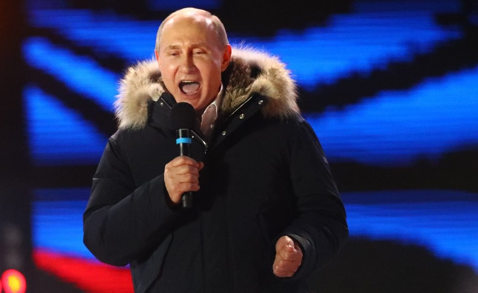 """V. Putinas: balsavimas rodo Rusijos žmonių """"pasitikėjimą ir viltį"""" (nuotr. SCANPIX)"""
