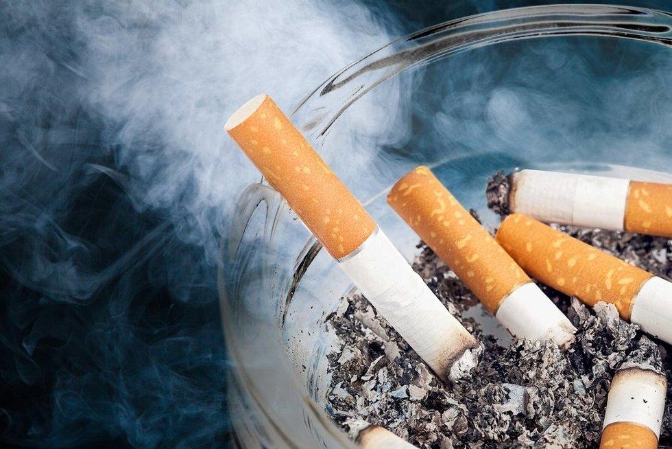 Nuo šiandien – prastos žinios rūkaliams, ekspertai negailestingi tam