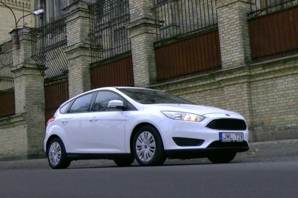 """Naudoto """"Ford Focus"""" apžvalga: neįvertintas miesto hečbekas (nuotr. stop kadras)"""