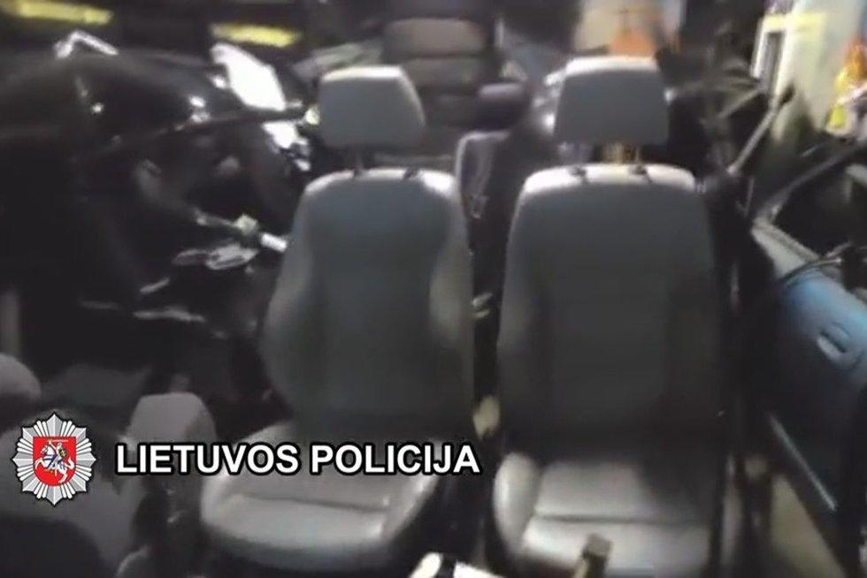 Klaipėdos kriminalistai baigė ypač sudėtingą automobilių vagysčių tyrimą