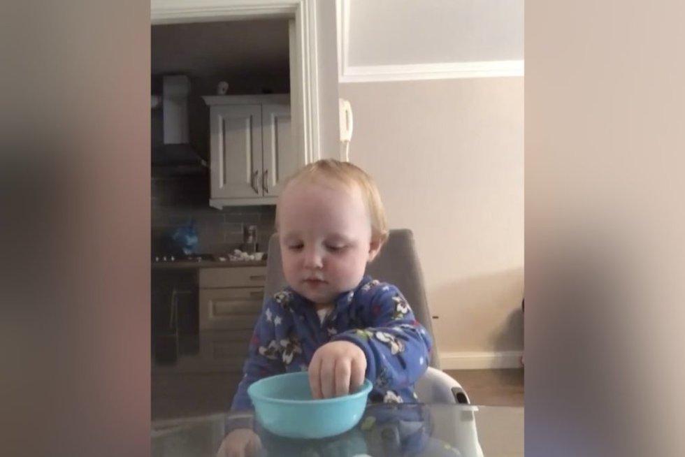 Vaikas (nuotr. stop kadras)