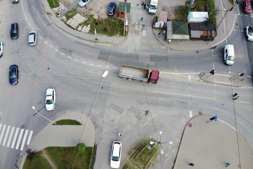 Prie Gariūnų turgavietės sunkvežimis mirtinai suvažinėjo pensininkę (nuotr. Broniaus Jablonsko)