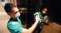 Koronavirusas: moteris užkrėtė 71 žmogų vien pasinaudojusi namo liftu (nuotr. SCANPIX)