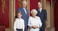 Princas Charles, princas George, karalienė ir princas Williamas (nuotr. SCANPIX)