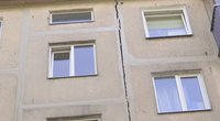 Griūvantis namas Kaune (nuotr. stop kadras)