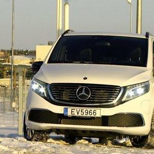 """Naujiena mikroautobusų rinkoje – elektra varomas """"Mercedes-Benz EQV"""""""