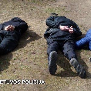 TV3 Žinios. Po sprogimo Vilniuje sulaikyti įtariamieji: per kratas rastas ginklas, sprogmenys, narkotikai