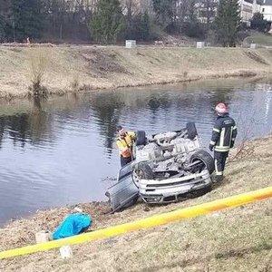BMW avarijos Panevėžyje detalės: paskendusiai merginai vos 20 metų