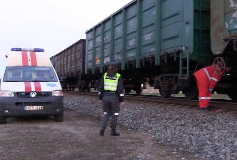 Traukinys pervažiavo žmogų (nuotr. TV3)