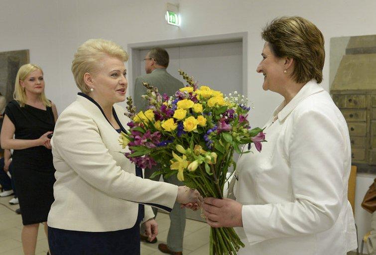 """D. Grybauskaitė ir L. Graužinienė (nuotr. """"Fotodiena.lt"""" / Edvardo Blaževičiaus)"""