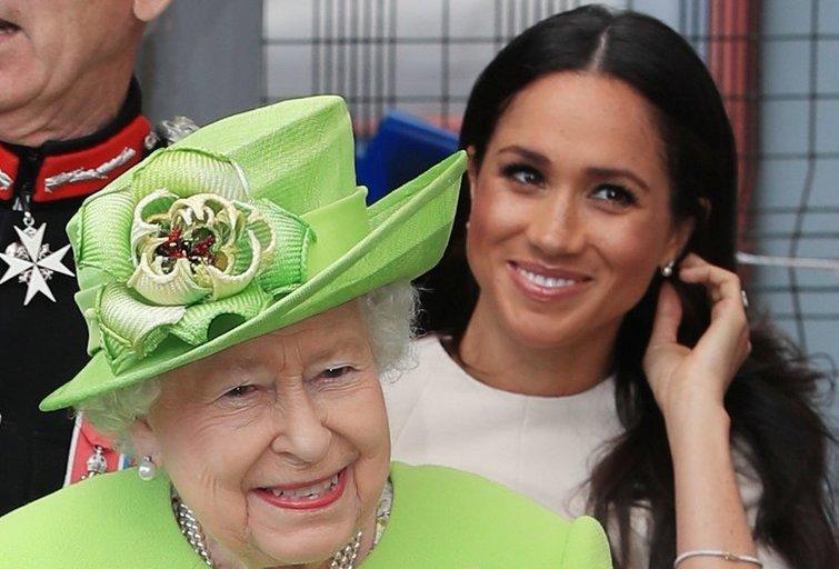 Meghan pirmąkart viešame renginyje pasirodė kartu su karaliene (nuotr. SCANPIX)
