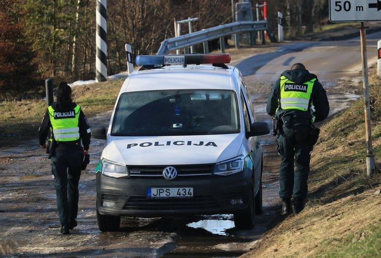 Policija tiria nusikaltimą  (nuotr. Broniaus Jablonsko)
