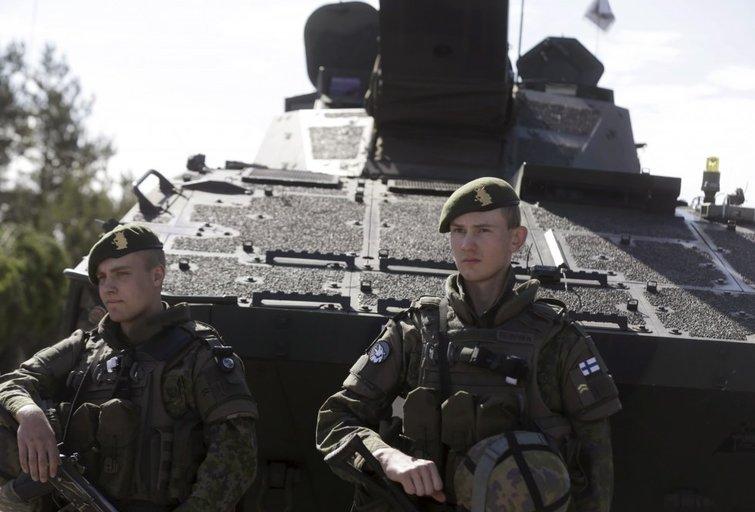Estija kartu su Suomija įsigis mažiausiai 12 savaeigių haubicų (nuotr. SCANPIX)