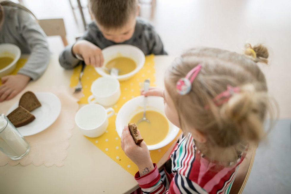 Vilniuje dirbančių medikų vaikams siūloma atidaryti tris naktinius darželius