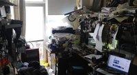 Vaizdai iš kratų šiauliečio buto, kurį pavertė dokumentų klastojimo dirbtuve (nuotr. stop kadras)