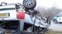 Kaktomuša į taksi – girtas vairuotojas Jonavoje sukėlė dramatišką avariją (nuotr. stop kadras)