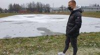 17-metis jaunuolis rizikavo gyvybe dėl šuniuko: puolė gelbėti į ledinį vandenį (nuotr. stop kadras)