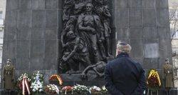 """Varšuvos getas – pusiaukelė į """"pragarą"""", nauja """"nacių sporto šaka"""" ir žmonių skerdykla po atviru dangumi"""