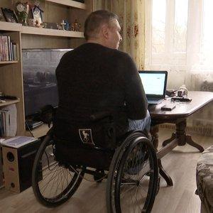 Neįgalieji Lietuvoje negali išsikviesti taksi: nėra pritaikytų automobilių